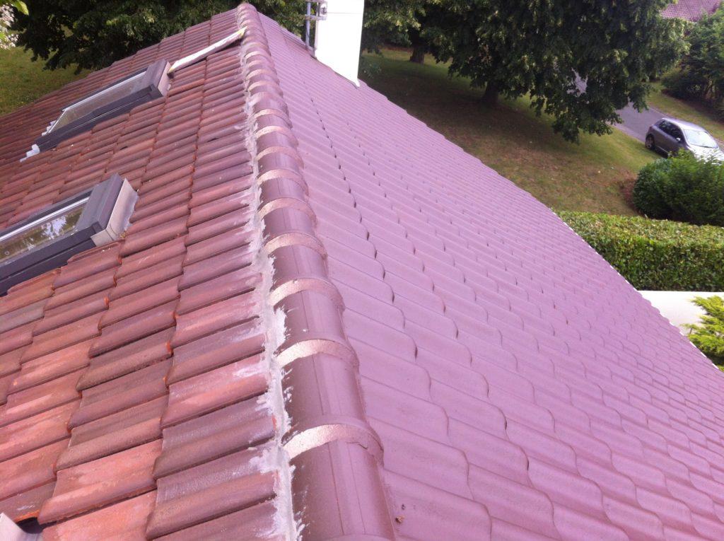 réfection toit : à droite : fini - à gauche : à faire